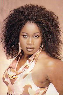Tema principal de la telenovela 'Alcanzar una Estrella II', interpretada por el grupo Muñecos de Papel, en el que participó Angélica Rivera.